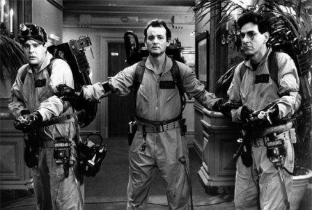 SOS fantômes (1984) : Un bon classique de fantômes! Il semblerait qu'une troisième mouture composée d'un « casting » féminin serait en route. En ce qui me concerne, si l'on garde la trame sonore des années 80 et que le scénario ne pas laissé de côté au profit des effets spéciaux, je suis vendu à l'avance.