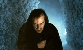 Shining : l'enfant lumière (1980) : Jack Nicholson perd la tête dans ce classique incontesté de l'horreur, réalisé par le talentueux Stanley Kubrick. Il s'agit d'une adaption d'un roman de Stephen King.