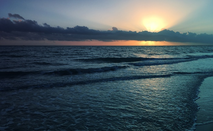 Tristan Audet - Soleil timide sur l'océan